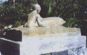 Memorial to Opo the friendly dolpin